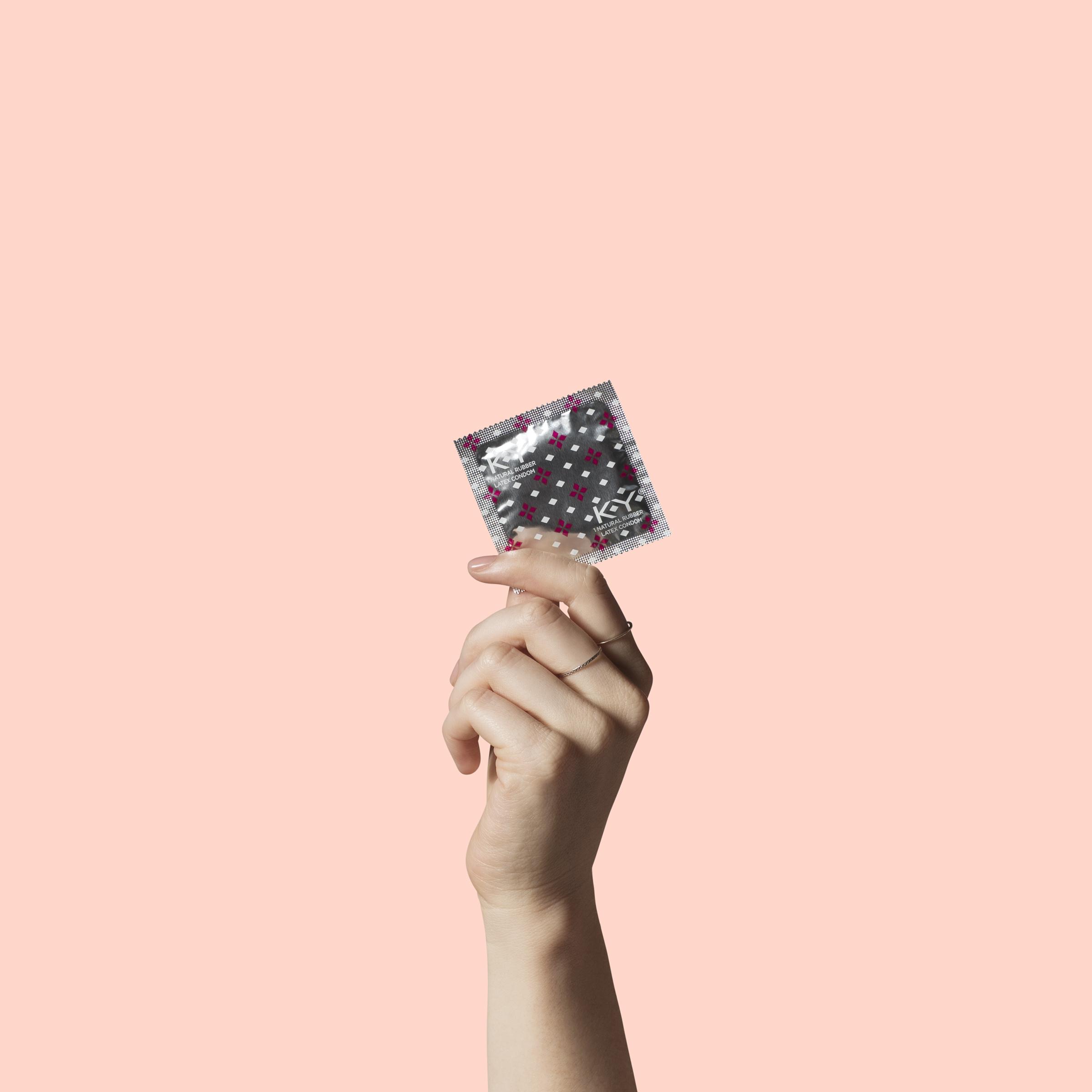 KY_Condom_Hand1