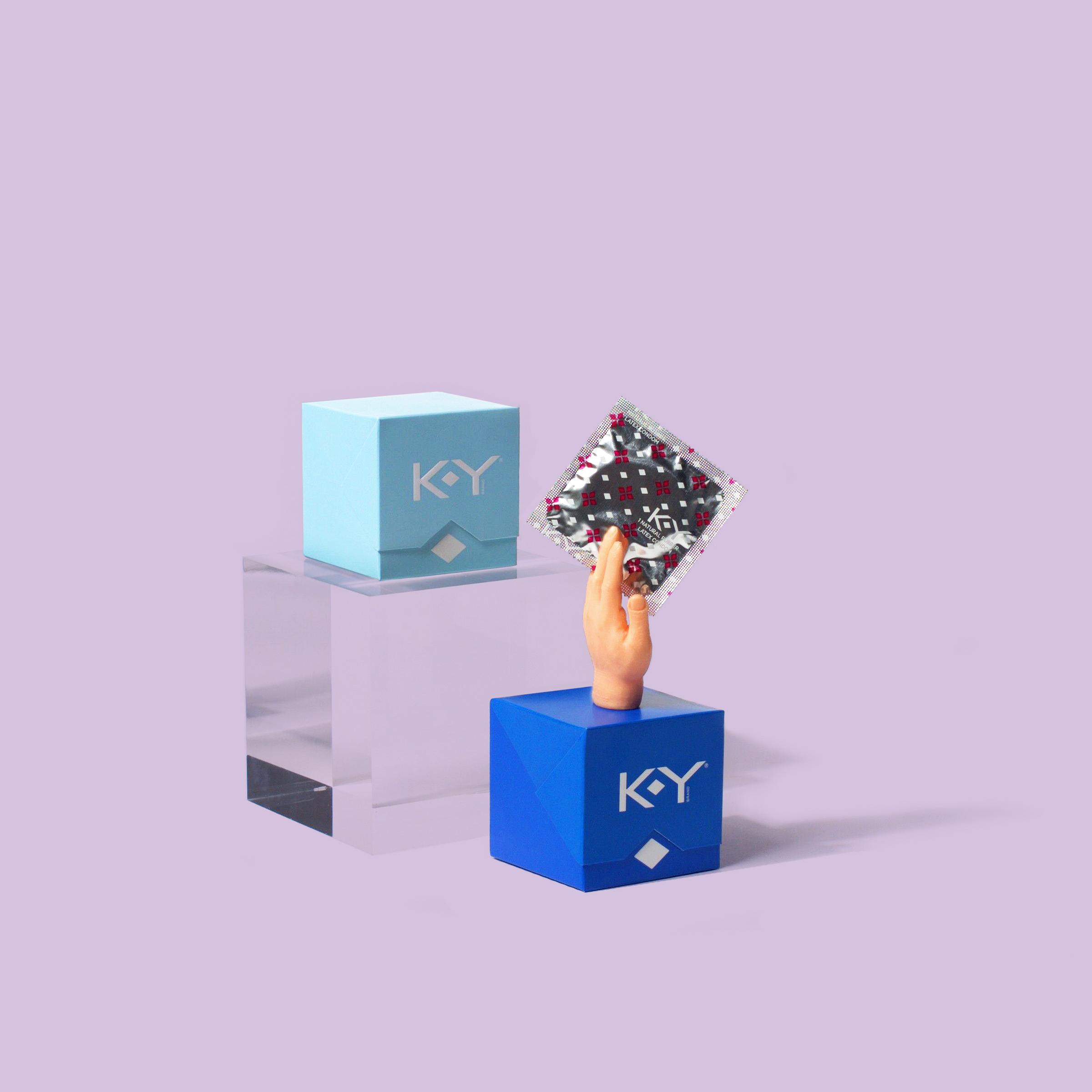 KY_TinyHands_Pods1